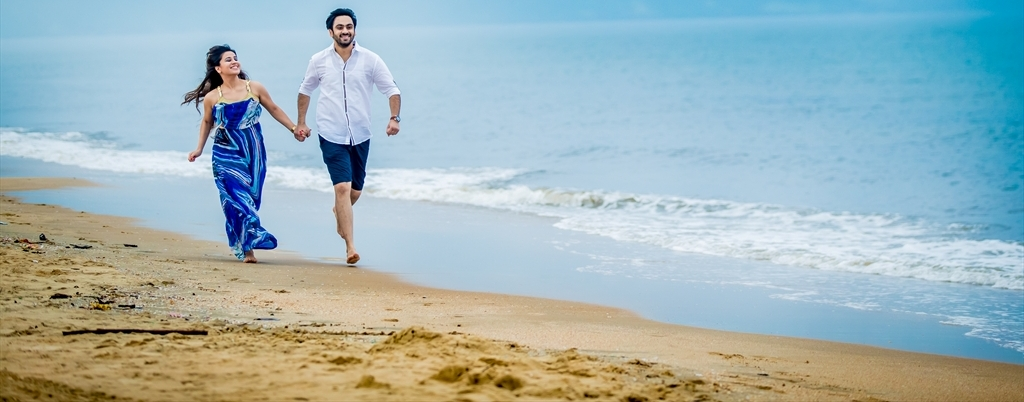 The romantic pre wedding shoot at Goa, India